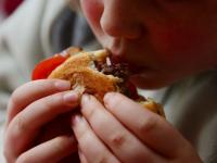 Наднорменото тегло при децата и желанието да бъдат забелязани