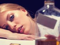 """""""Дринкорексия"""" – умишлено прескачане на хранене, за да се пестят калории за пиене на алкохол."""